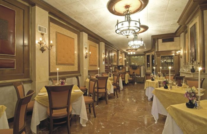 Arredo per ristorante l 39 eleganza del classico for Arredamenti per ristorante