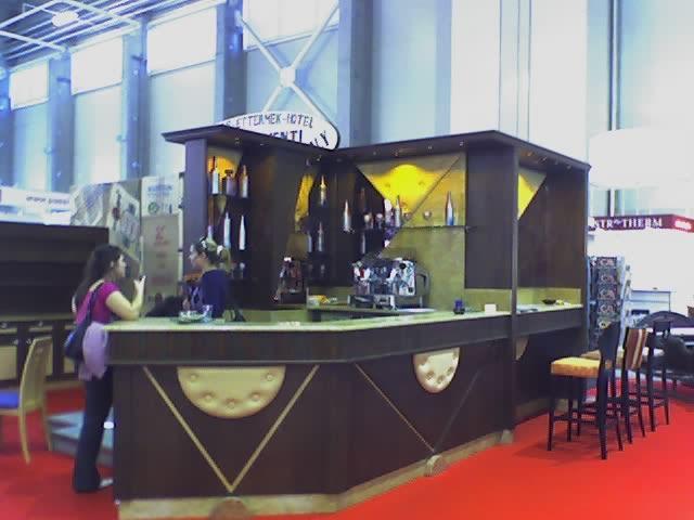 Le occasioni per i mobili della birreria for Birreria arredamento